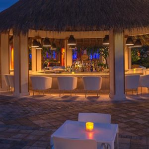 Barbados-Honeymoon-Packages-Sandals-Barbados-dining-8