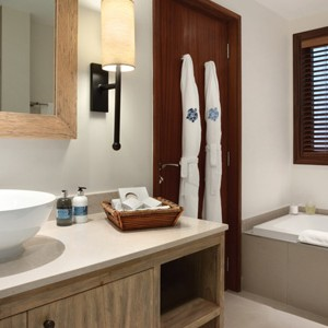 Kempinski Seychelles - seychelles honeymoon packages - bathroom