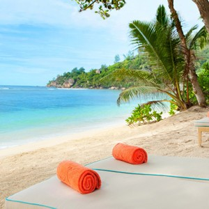 Kempinski Seychelles - seychelles honeymoon packages - sunbeds
