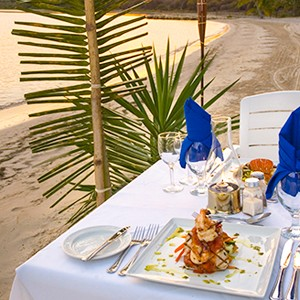 honeymoon packages St Lucia - Sugar Beach Hotel - beach dining