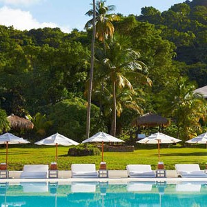 honeymoon packages St Lucia - Sugar Beach Hotel - sunbeds