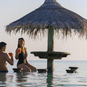 Maldives Honeymoon Packages Centara Ras Fushi Pool Bar