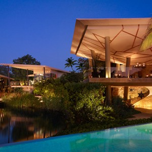 Roseward Mayakoba - Mexico wedding packages - lagoon restaurant