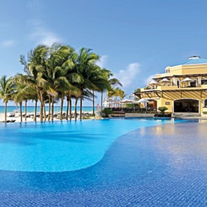 Royal Hideaway Playacar - Mexico - Honeymoon Packages - pool