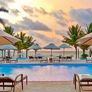 Royal Hideaway Playacar - Mexico - Honeymoon Packages - pool lounge