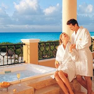 Secrets Capri Riviera - Mexico Luxury Holidays - oneymoon destinations - love