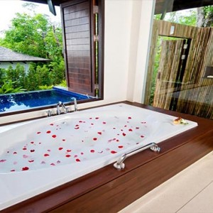 The Vijitt - Luxury Thailand Honeymoon Packages - Deluxe Pool Villa bathroom