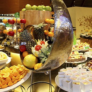 centara ras fushi - maldives honeymoon packages - buffet