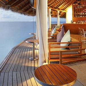 centara ras fushi - maldives honeymoon packages - giraavaru lobby bar