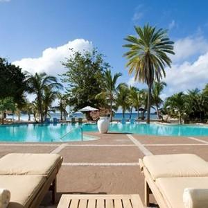 Antigua honeymoon packages - The Inn - sunbed