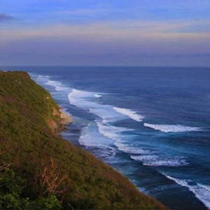 alila uluwatu - bali honeymoon packages - beach