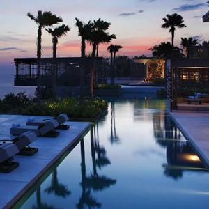 alila villas uluwatu - bali honeymoon packages - dusk