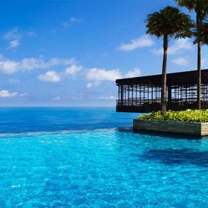 alila uluwatu - bali honeymoon packages - infinity pool