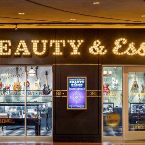 Las Vegas honeymoon Packages Cosmopolitan Las Vegas Beauty And Essex