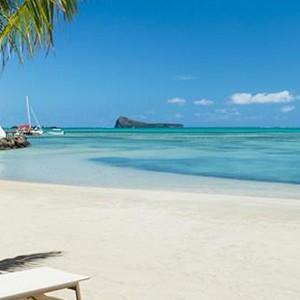 ziwala attitude - mauritius luxury holidays - beach life