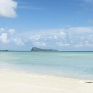 ziwala attitude - mauritius luxury holidays - beach view