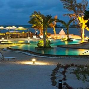 ziwala attitude - mauritius luxury holidays - pool at night