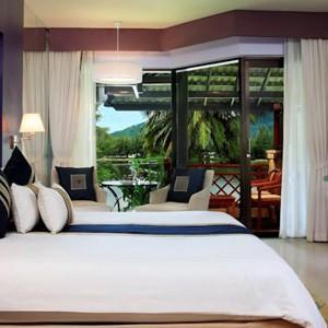 Luxury-Holidays-Phuket-Dusit-Thani-Laguna -Bed-2