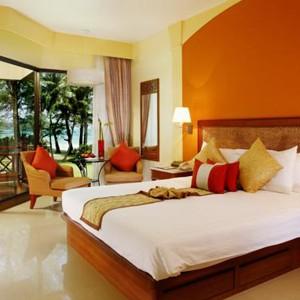 Luxury-Holidays-Phuket-Dusit-Thani-Laguna-Bed