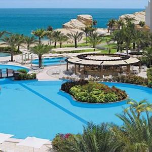 Oman Honeymoon Packages Al Waha At Shangri La Barr Al Jissah Resort And Spa Pool