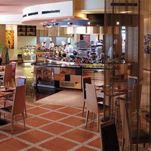 Oman Honeymoon Packages Al Waha At Shangri La Barr Al Jissah Resort And Spa Samba Restaurant