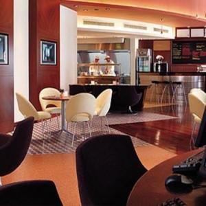 Oman Honeymoon Packages Al Waha At Shangri La Barr Al Jissah Resort And Spa Surfs Cafe