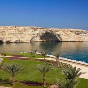 Oman Honeymoon Packages Al Waha At Shangri La Barr Al Jissah Resort And Spa Turtle Beach