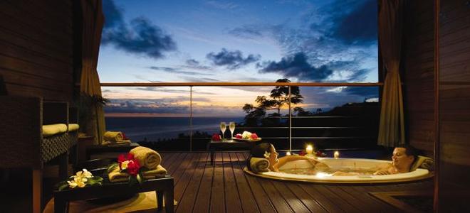 Outrigger-Fiji-Beach-Resort-Jacuzzi