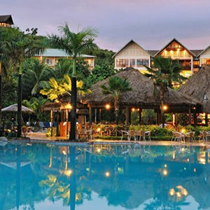Outrigger-Fiji-Beach-Resort-Pool