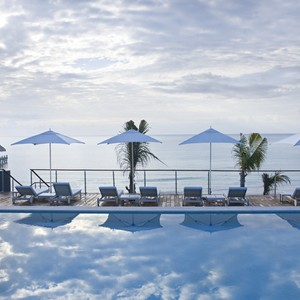 blue-diamond-riviera-maya-pool