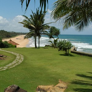 saman villas - sri lanka luxury honeymoons - garden