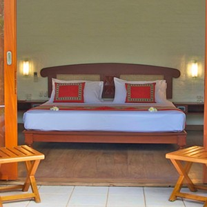 saman villas - sri lanka luxury honeymoons - loungers