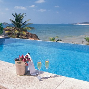saman villas - sri lanka luxury honeymoons - private infinity pool