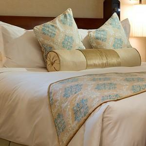 the palace downtown dubai - dubai luxury honeymoon packages - bedroom