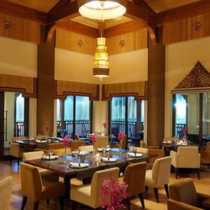the palace downtown dubai - dubai luxury honeymoon packages - dining
