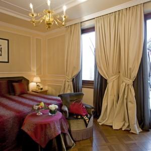 Carlton_Hotel_Baglioni_Deluxe_Room_1