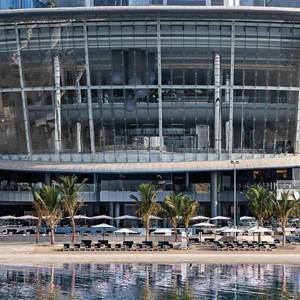 Jumeirah-Etihad-Towers-Entrance