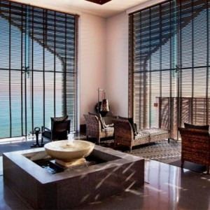 Oman Honeymoon packages The Chedi Muscat Oman Lounge 2