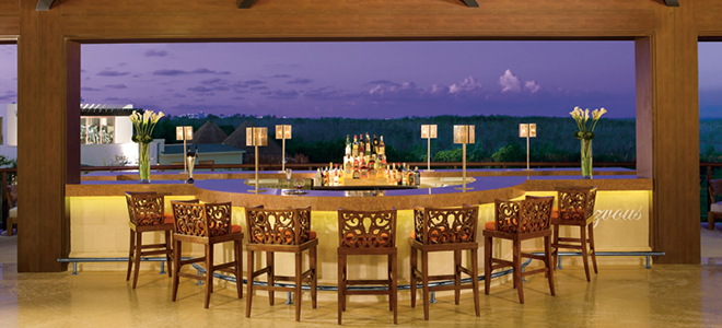 Dreams-Riviera-Cancun-Resort-Spa-Mexico-Weddings-Abroad-bar