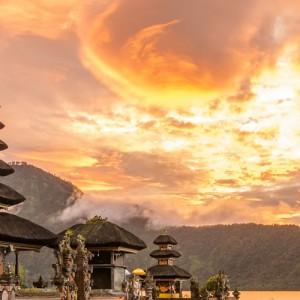 where-to-honeymoon-may