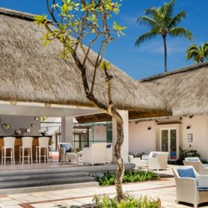 Courtyard Bar One&Only Le Saint Geran Mauritius Honeymoons