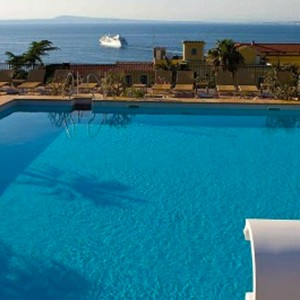 Grand Hotel La Favorita - Italy Luxury Holidays - Pool with a view