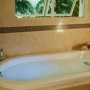 Luxury Holidays Barbados - Ocean Two Barbados - Bathroom