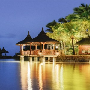 Paradise Cove Boutique Hotel - Luxury Mauritius Honeymoon Package - The Cove restaurant