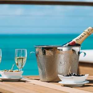 Paradise Cove Boutique Hotel - Luxury Mauritius Honeymoon Package - champagnedining