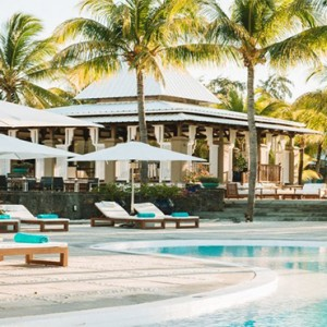 Paradise Cove Boutique Hotel - Luxury Mauritius Honeymoon Package - pool area