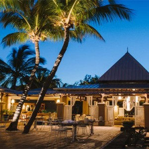Paradise Cove Boutique Hotel - Luxury Mauritius Honeymoon Package - restaurant at night
