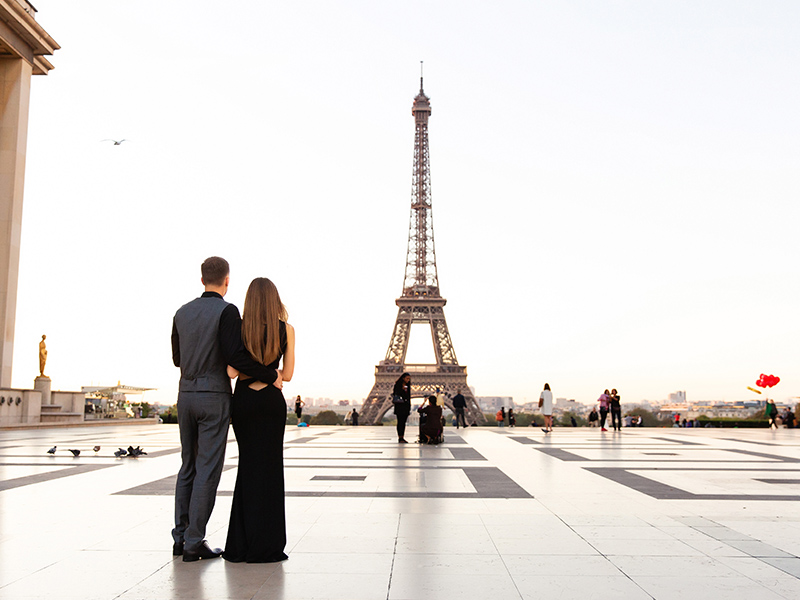 Proposal By The Eiffel Tower Romantic Locations To Propose