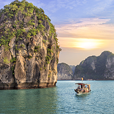 Halong Bay Day Private Tour thumbnail