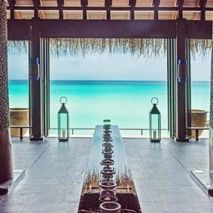 Luxury Maldives honeymoon Packages One And Only Reethi Rah Maldives Dining 2